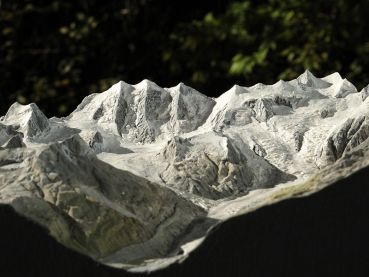Mountain model of the Bernina group