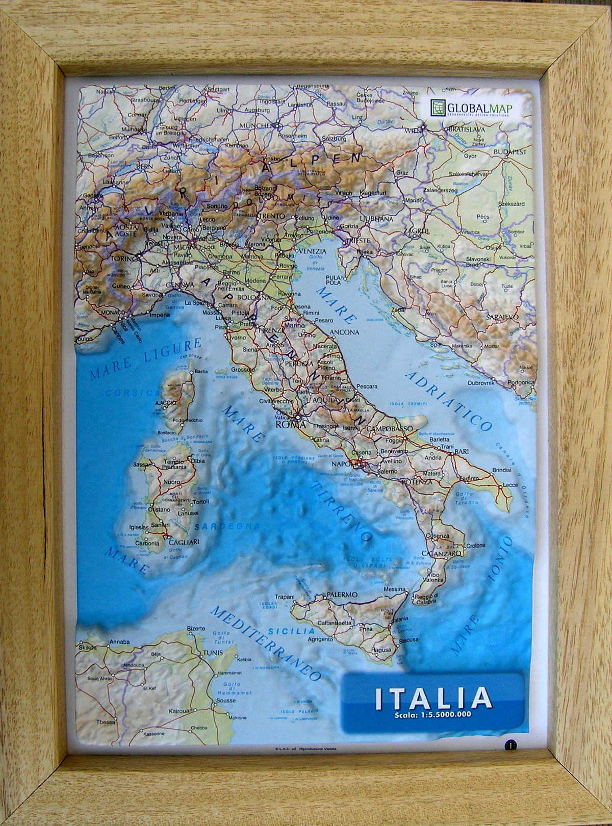 Raised relief map Italy A4 as 3d map