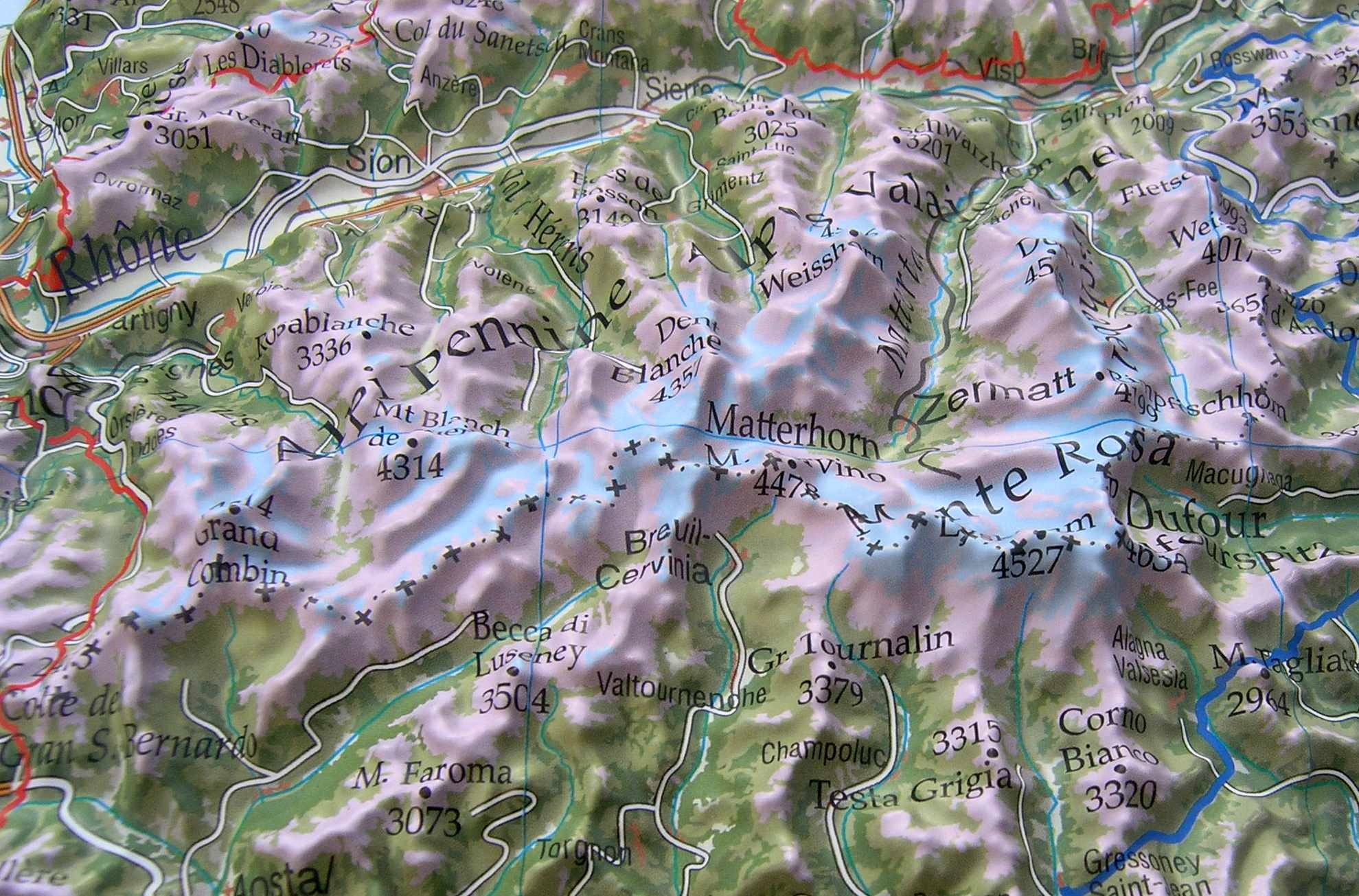 Beautiful raised relief map Alps 1: 500.000 as 3d map