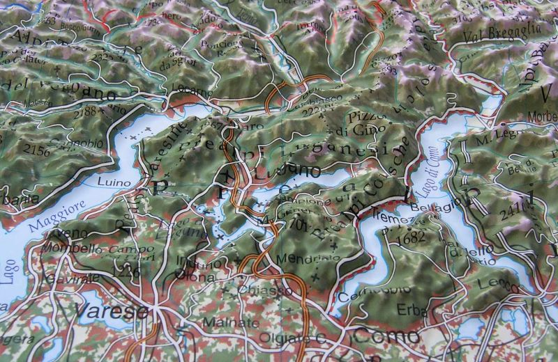 Raised relief map total Alps 1:500.000